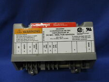 Honeywell S8600M Continuous Re-Try Ignition Control S8600M2003(1)  AP10763B-3