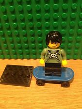 LEGO 8683 SERIES 1 .SKATER GOOD CONDITION
