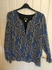 LADIES LINED TOP BY BOB MACKIE….SIZE 24 In BLUE MULTI…NEW WITHOUT TAGS…