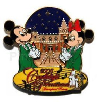 Disney Pin 66916 DLR Candlelight Processional Mickey Minnie Mouse Candles LE