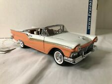 1/24 scale metal Franklin Mint 1957 Ford Skyliner L.E. 271/2500 coral & white