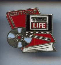 RARE PINS PIN'S .. TV RADIO PRESSE  TIME LIFE MAGAZINE ROUGE ~3B