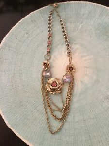 BETSEY JOHNSON  GOLD ROSES WITH PINK STONE STATEMENT NECKLACE!!