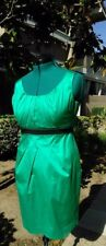 BCBG MAXAZRIA DRESS SHEATH EMERALD GREEN BLACK BELTED FLATTERING PLEATS SIZE 12
