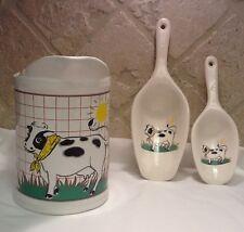 Vintage Ceramic 1 Quart Cow Pitcher With 1&3 Oz Scoops.