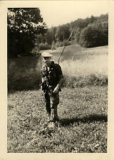 PHOTO ANCIENNE - VINTAGE SNAPSHOT - MILITAIRE RADIO ARME MITRAILLETTE -MILITARY