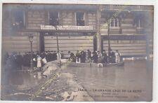 CPA 75008 PARIS Crue Seine 1910 barrage établi boulevard Haussmann animé Edit ND