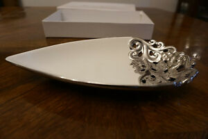 SILVER & WHITE SMALL PLATTER NIB SIGNATURE COLLECTION BY CASSIANI TEAR DROP