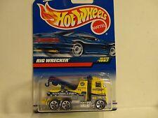 Hot Wheels #1087 Yellow Rig Wrecker w/5 Hole Wheels
