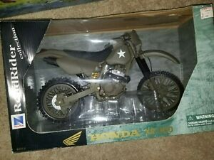 New Ray RoadRider Honda XR400 Diecast military dirt bike 1:6 Scale unused
