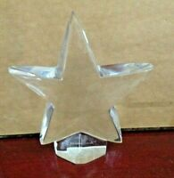 COLLECTIBLE STAR PAPERWEIGHT FIGURINE SIGNED BACCARAT. MADE IN FRANCE