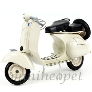 NEW RAY 49273 VESPA 150 VL 1T SCOOTER MOTORCYCLE 1/6 BEIGE