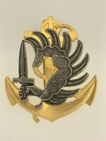 France/French Army/Navy Colonial Marine Paratroopers metal beret badge