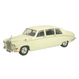Oxford Daimler DS420 Saloon - Old English White 1/43