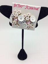 $38 Betsey Johnson white flower cluster clip on stud earrings K1V