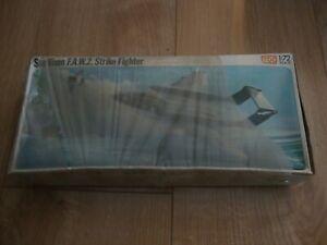 L214 1976 FROG Model Kit F409 - Sea Vixen F.A.W.2. Strike Fighter 1/72