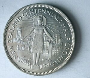 1940 NEW ZEALAND 1/2 CROWN - AU/UNC - High Value Silver Coin - + Value - Lot #M7