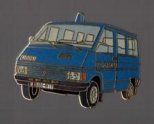 pin's voiture de police - Renault Trafic de Gendarmerie (EGF signé Ségalen)