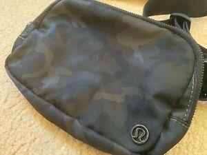 NWT Lululemon Everywhere Belt Bag Camo