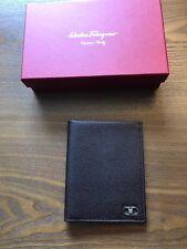 New Authentic Salvatore Ferragamo Men Passport Holder Pebbled Leather Brown $450