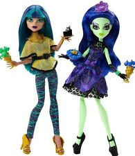 Monster High  Scream And Sugar Nefera & Amanita Dolls 2 Pack