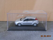 1:43 FORD FOCUS 5P SILVER 1998 MINICHAMPS (CAR OF THE YEAR 1999)