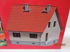 Gebäude, Tunnel & Brücken-Modellbahnen der Spur H0 aus Holz mit Haus