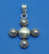 VINTAGE STERLING SILVER CROSS PENDANT NECKLACE EXCELLENT CONDITION
