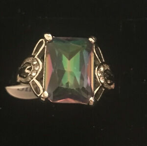 925 sterling silver  12ct  Rainbow Mystic Topaz Ring Size O.. Beautiful 🦚colour