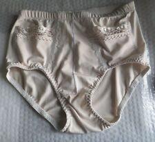 Culotte de dame XL brodée avec 2 poches brodées beige