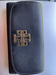 MOVING SALE. New TORY BURCH Britten Duo Envelope Continental With Tag.