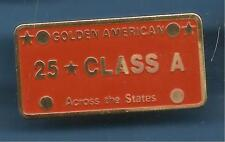 Pin's pin CIGARETTES GOLDEN AMERICAN 25 CLASS ACCROS THE STATES (ref 097)