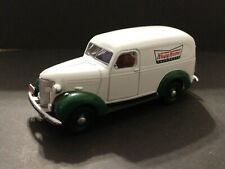 1939 CHEVROLET PANEL KRISPY KREME DOUGHNUTS TRUCK COLLECTIBLE 1/64 SCALE LIMITED