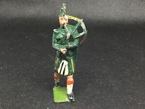 Britains Highlander Piper, (lime Green 237)