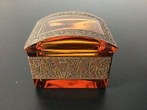 Boîte coffret cristal coloré ambre décor gravé signé Moser Karlsbad Art Nouveau