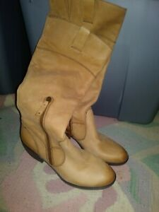 Womens naturalizer Boots size 10M