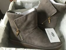 Neue originale Boots Stiefel UGG in Gr. 41
