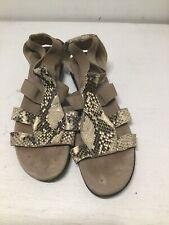Munro Women Zena Snake Embossed Gladiator Sandal Shoes Size 7 1/2 M Beige