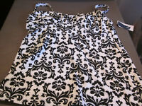 NWT LANDS END WOMENS TANKINI BATHING SUIT TOP - BLACK/WHITE FLORAL SIZE 4
