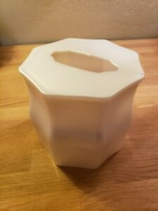Ivory Shimmer Metallic Square Kleenex Tissue Box Acrylic Cover VGC