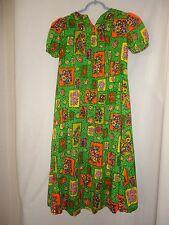 Vintage Made in Hawaii Floral Green Dress Smaller size short sleeve Zip back