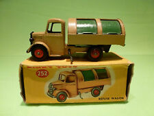 DINKY TOYS 252 REFUSE WAGON - GARBAGE TRUCK - RARE SELTEN - VERY GOOD IN BOX