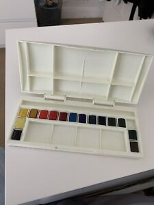 15 x Winsor & Newton Watercolour Paints In Box - 5 Used once, 10 Unused