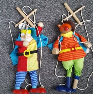 Ale-Hop Wooden String Puppets/Marionette x 2