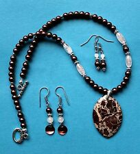EXCELLENT! FLAME JASPER Gemstone Pendant Necklace Set - Mother of Pearl