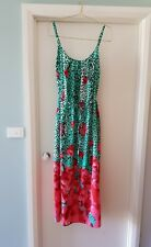 AVELLA SIZE 20 MAXI DRESS WITH BUILT IN SHELF BRA. GREEN LEOPARD RED POPPY PRINT