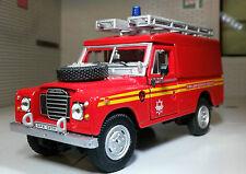 1:43 Modello in scala LAND ROVER SERIE 2A 3 109 LWB FIRE ENGINE Oxford Cararama