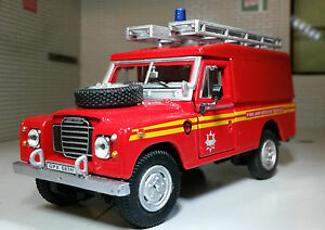 1:43 Scale Model Land Rover Series 2a 3 109 LWB Fire Engine Oxford Cararama RED
