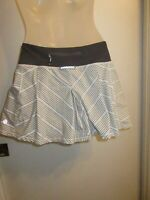Lululemon Athletica 4 Run Tennis Skirt Shorts Skort Pleated Gray White Striped