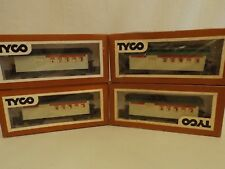 HO Tyco (4) car passenger set in original boxes